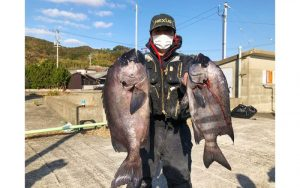 初釣り、良型続出(クロ・イシダイ)釣果